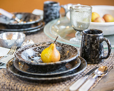 Classic Dinnerware 4-Piece Place Setting