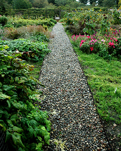A Walkway lined with Everedge lawn edging