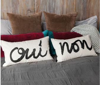 Oui & Non Pillows