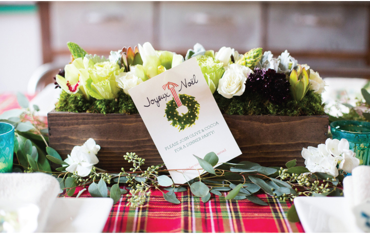 Picking the Perfect Floral for Your Holiday Tablescape