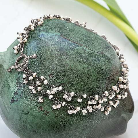 Willow Seed Pearl Bracelet
