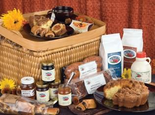 Breakfast in Bed Deluxe Gourmet Basket