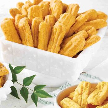 CLASSIC-CHEDDAR-CHEESE-STRAWS-BETSYS