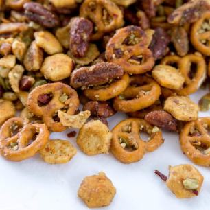 the-good-stuff-snack-mix-min