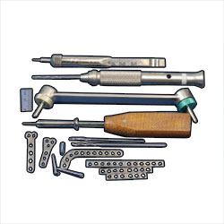 Case, stainless steel w/ screw rack, for 2mm cortical screws